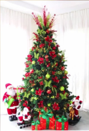 pre decorated christmas tree and wreath sets